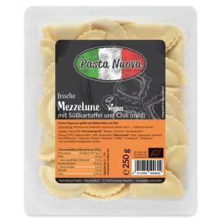 Mezzelune mit Süßkartoffeln und Chili mild